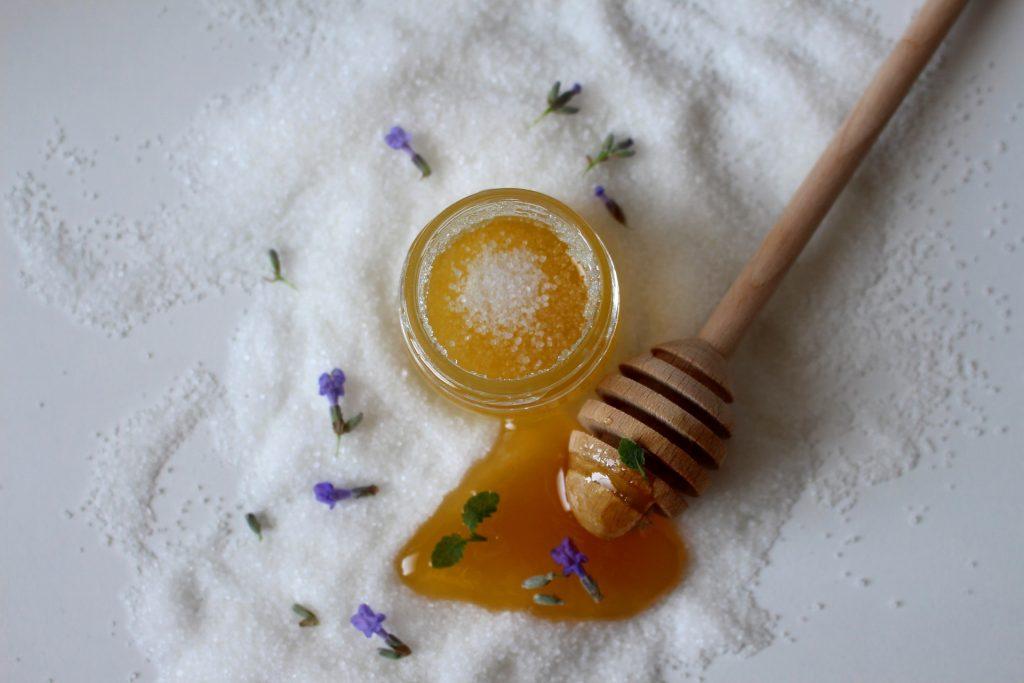 Sugaring waxing